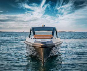 thumbnail photo 2: 2016 Apex Yachts 60