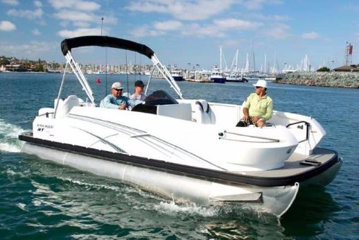 2017 Larson Escape RT Fish & Cruise RT 2400 Twin