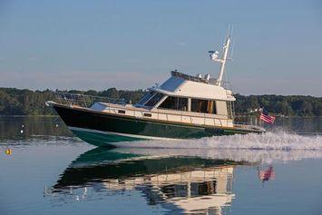 2013 Lyman-Morse HUNT Express Cruiser Flybridge