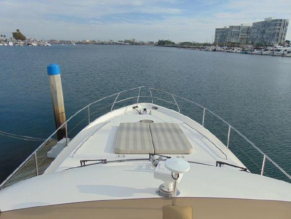Viking Sport Cruisers 61 Bow