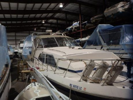 1984 Chris Craft 381 Catalina Double Cabin