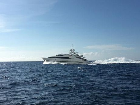 2007 Isa Yachts High Performance