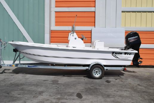 2015 Twin Vee 19 Bay Cat