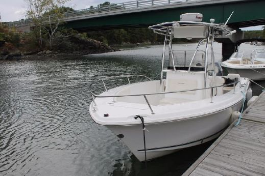 2006 Sea Hunt 22 Center Console