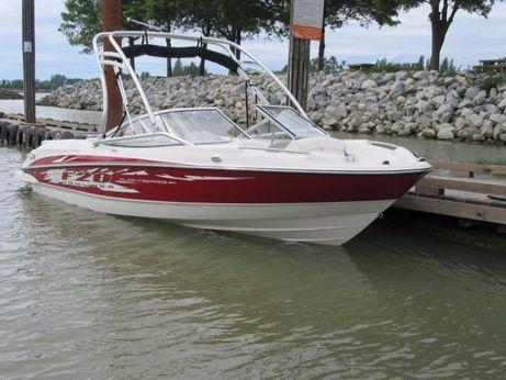 2008 Bayliner 205