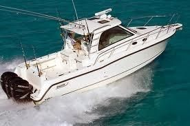 2008 Boston Whaler 345 Conquests