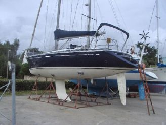 2000 Grand Soleil 43