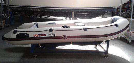 2013 Yamaha Sport Boat 330