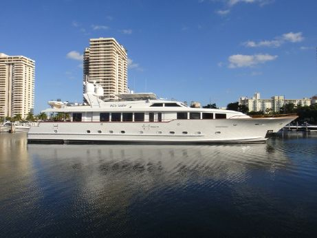 1995 Broward Raised Pilothouse MY