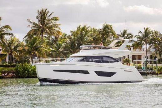 2017 Carver Yachts C52 Command Bridge