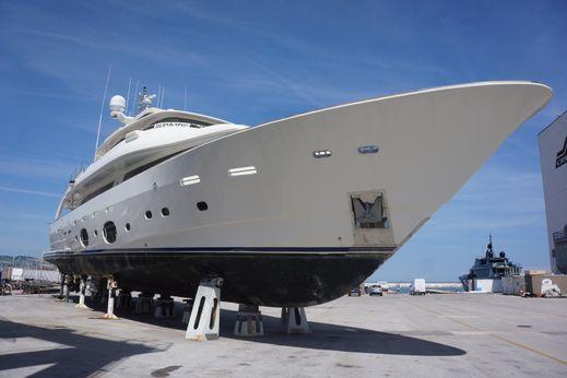2011 Ferretti Yachts 33 Navetta Custom Line
