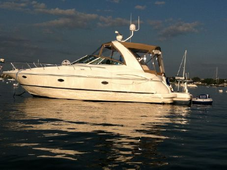 2002 Cruiser Yachts 3672 Express Cruiser
