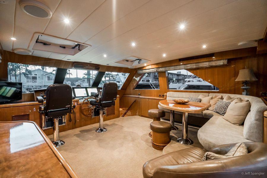 Horizon 82 Skylounge Yacht for sale in Newport Beach