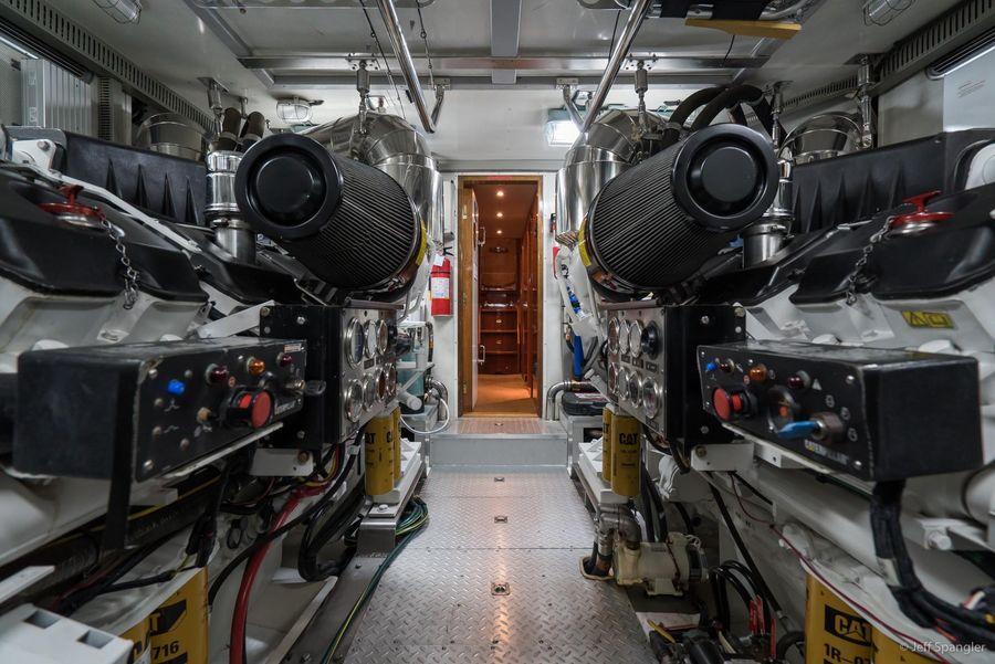 Horizon 82 Skylounge Motor Yacht for sale in Newport Beach