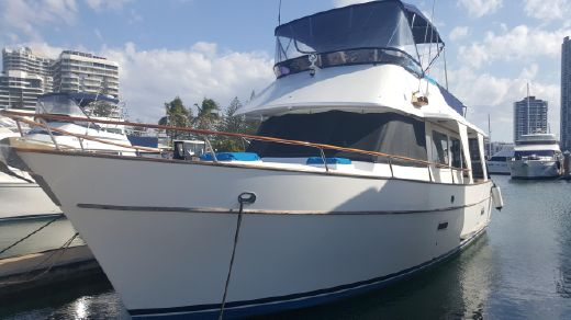 1983 Mariner 39 Flybridge Cruiser