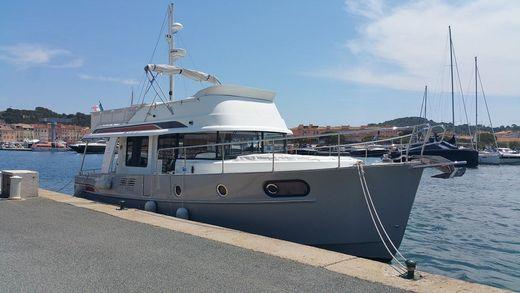 2014 Beneteau. Swift Trawler 44
