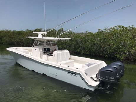 2015 Invincible 39 Open