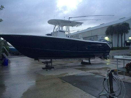 2012 Sea Hunt 27 Center Console