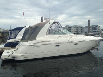 2007 Cruisers Yachts 370 Express Diesel