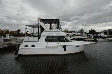 2001 Carver 326 Motor Yacht