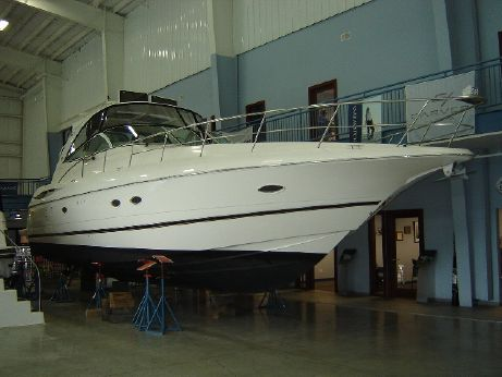 2004 Cruisers Yachts 440 EC