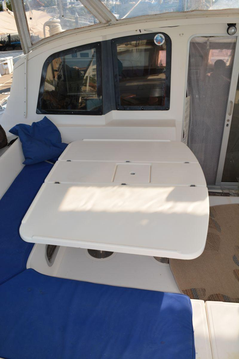 44' Fountaine Pajot Venezia 42+2' additions to the stern.