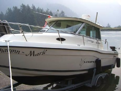 1999 Seaswirl Striper 2600 Sport Sedan