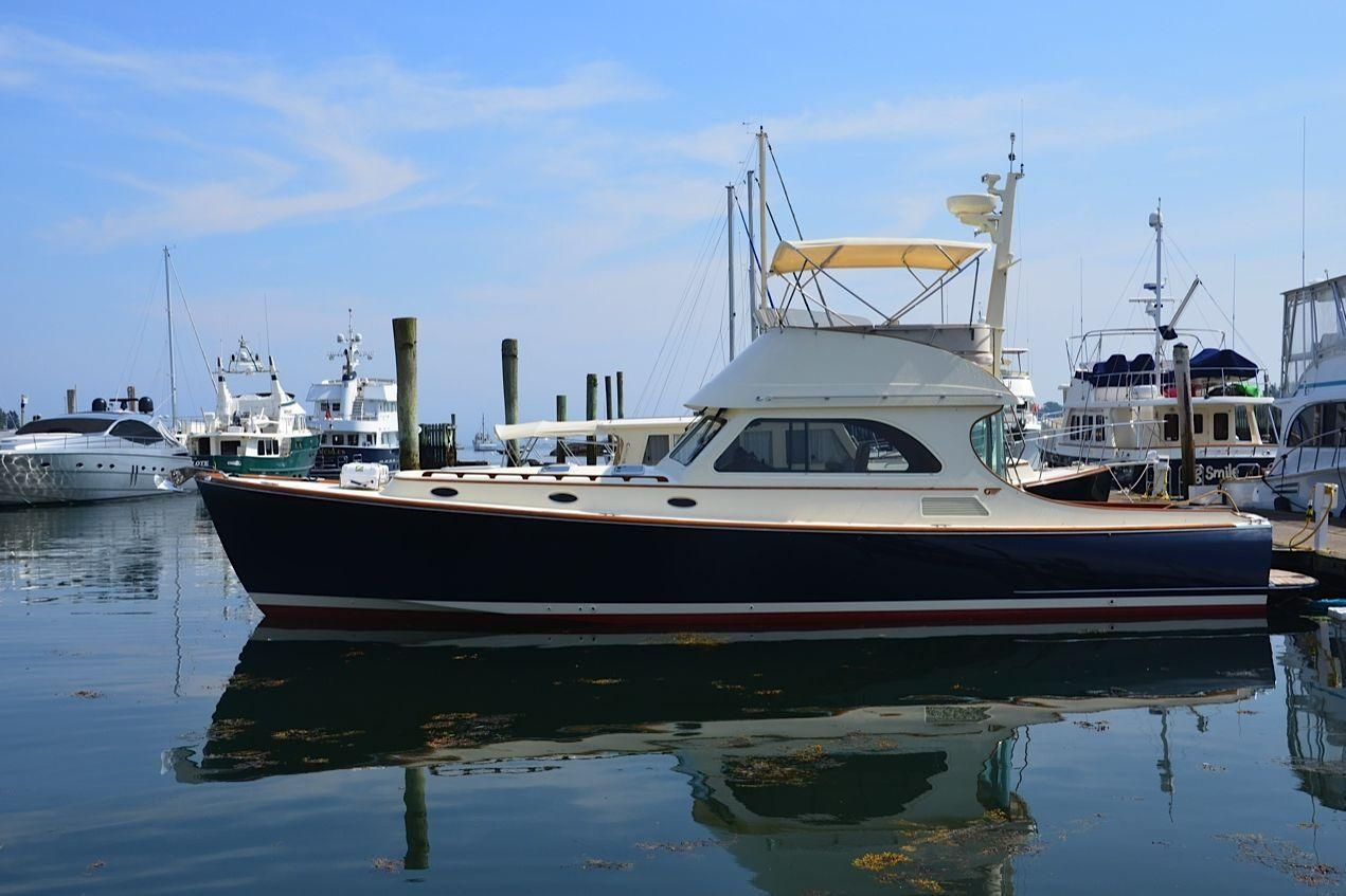2002 hinckley talaria 44 flybridge power boat for sale for Motor yachts for sale near me