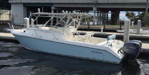 2005 Cobia 312 Sport Cabin