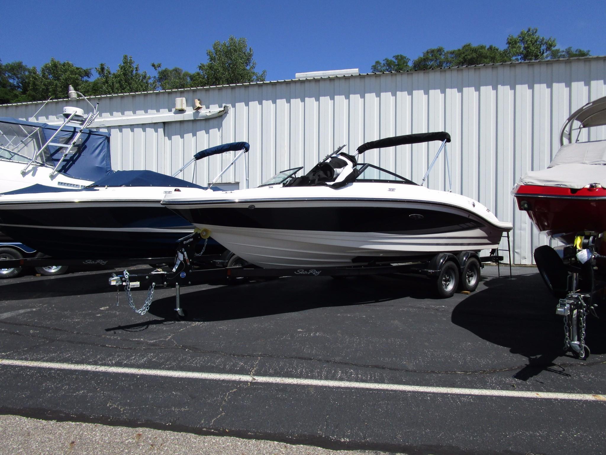 2017 Sea Ray 21 Spx Power Boat For Sale Www Yachtworld Com