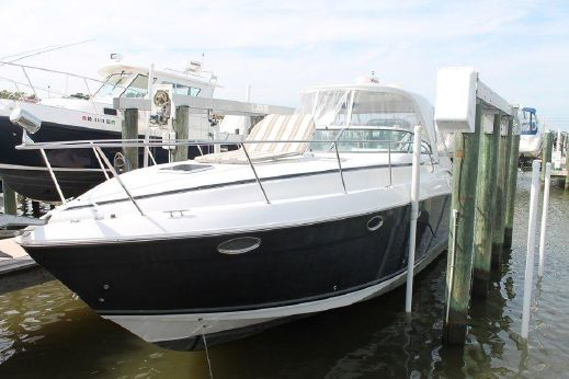 2007 Rinker 370 Express Cruiser