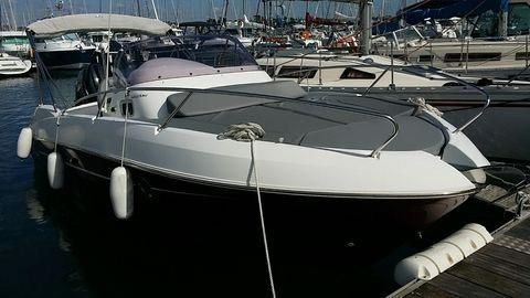 2013 Beneteau Flyer 750 Sun Deck
