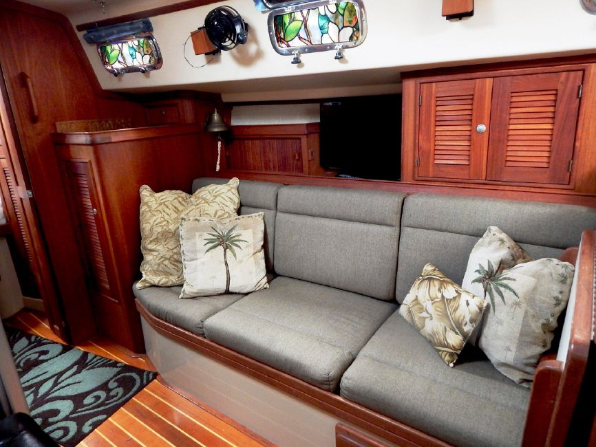 Island Packet 37 Sailboat for sale