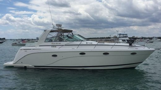 2005 Rinker 410 Express Cruiser