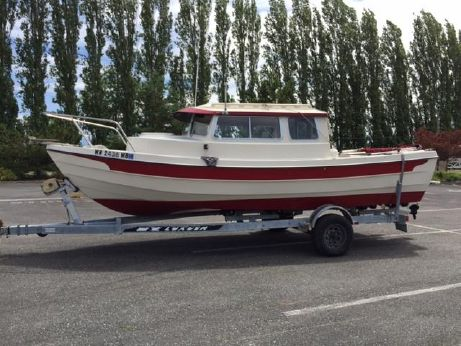 1990 C-Dory Pocket Cruiser