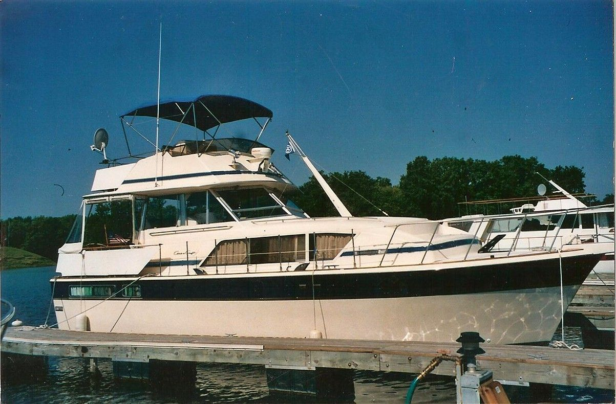 1983 chris craft 410 motor yacht power new and used boats for sale. Black Bedroom Furniture Sets. Home Design Ideas