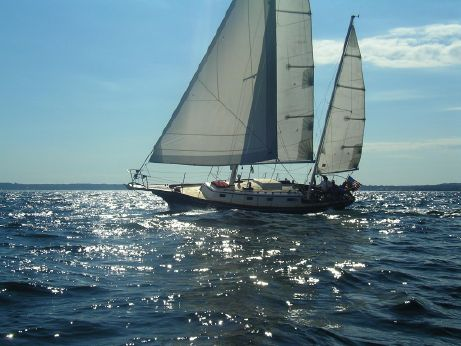 1976 1976  Fuji Sailing Yacht 4-108 35ft Ketch