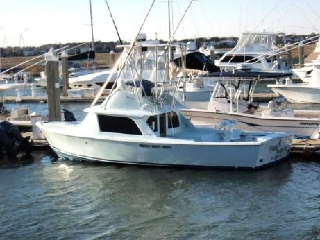 1976 Bertram 31 Flybridge Cruiser