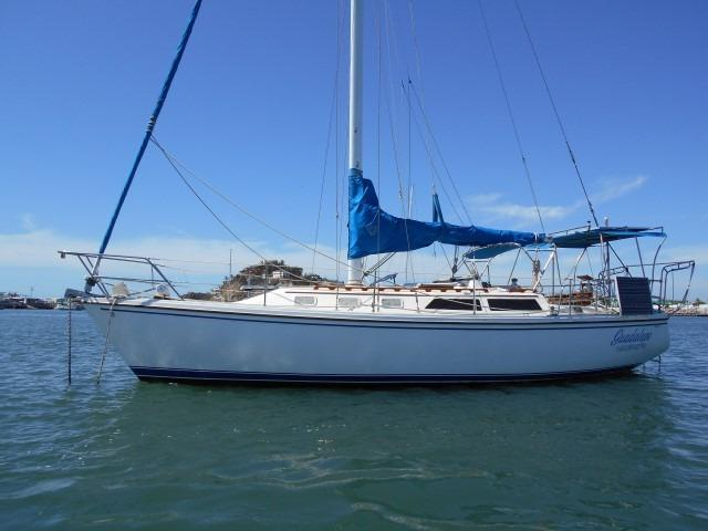 34' Catalina +Photo 7