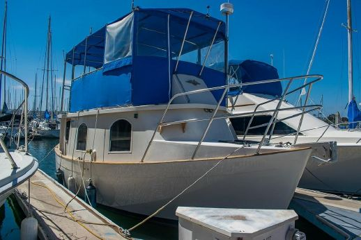 1998 Willard W-30 Live Aboard Trawler