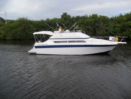 1989 Carver Yachts Santego 380