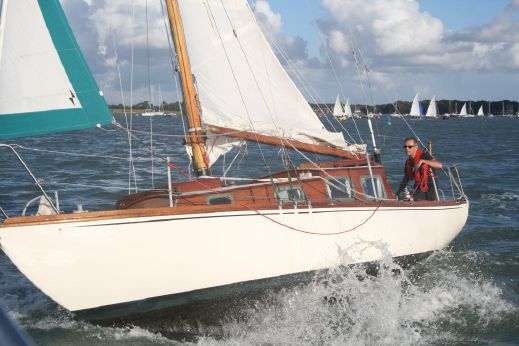 1961 South Coast One Design 26 Wooden Sloop