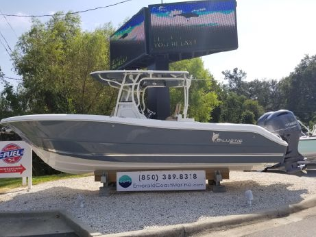 2017 Key West 261 Center Console