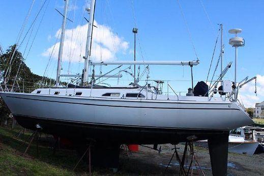 1986 Ericson Yachts 38-200