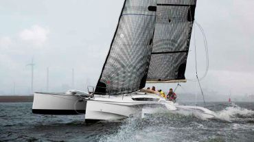 2013 Quorning Boats Dragonfly 32  SUPREME