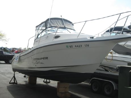 2003 Seaswirl Striper 2301 Walkaround I/O