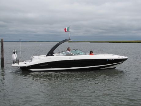 2015 Cruisers Sport Series 298 Bow Rider