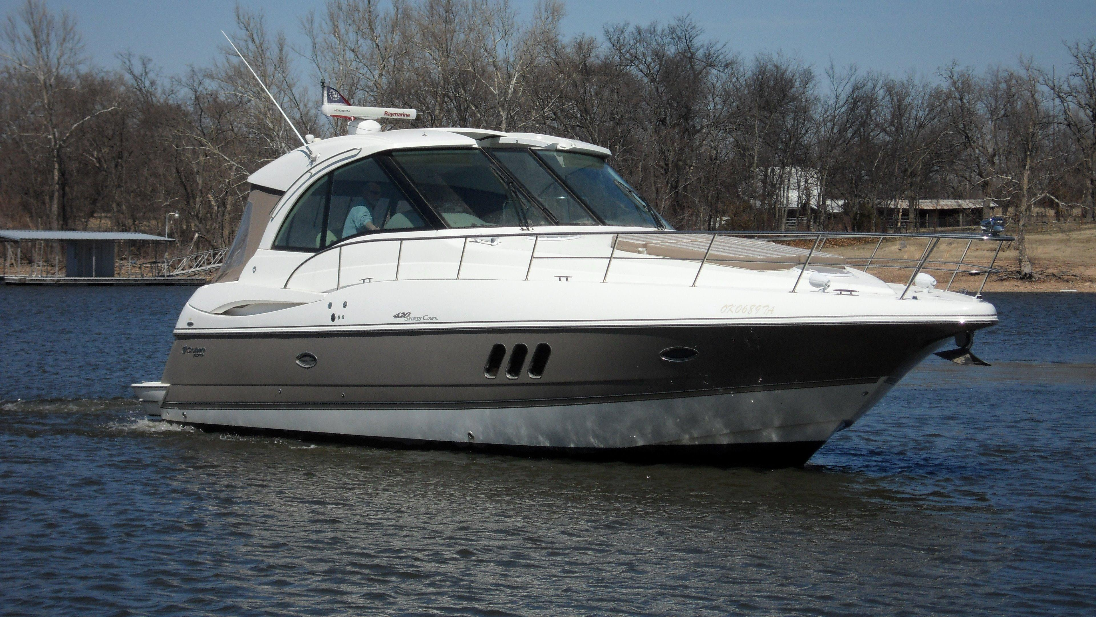 43 ft 2011 cruisers yachts 420 sport coupe