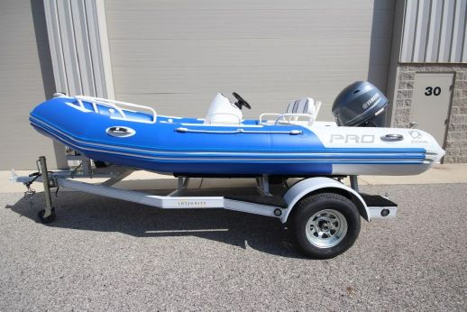 2015 Zodiac Bayrunner Pro 500 PVC 70hp In Stock