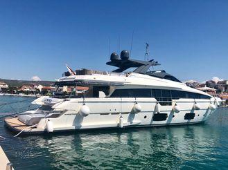 2017 Ferretti Yachts 960